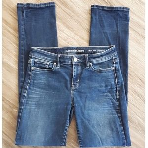 Calvin Klein Straight Leg W27 L32 Dark Wash